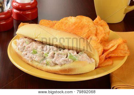 Tuna Sandwich With Chips