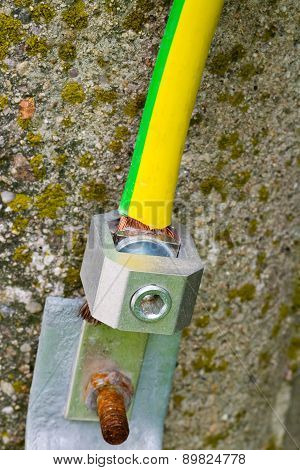 Electrical Pole Grounding