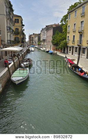 Charming Venetian Place
