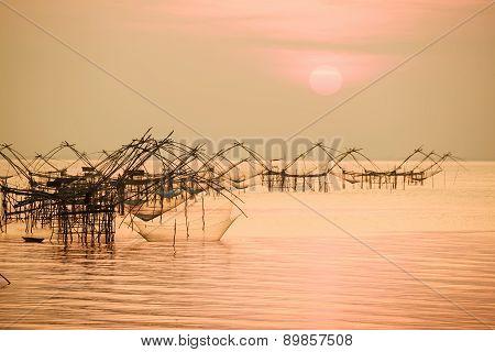 Thai style fishing trap in Pak Pra Village, Net Fishing Thailand, Thailand Shrimp Fishing, Phatthalu
