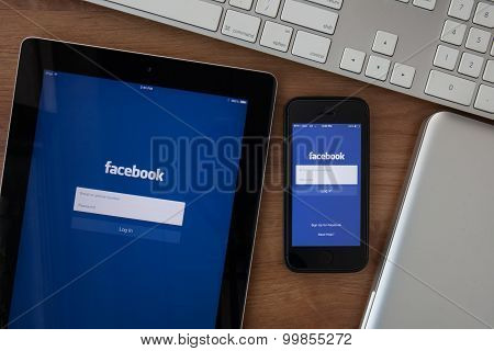 Chiangmai,thailand - February 10, 2015: Facebook The Largest Social Network In The World. It Was Fou