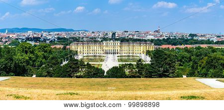 Austria. Schonbrunn Palace in Vienna. It's a former imperial 1441-room Rococo summer residence in modern Wien