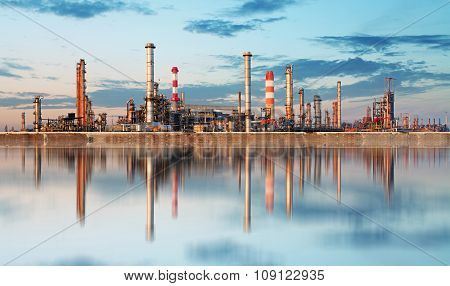 Industry - Oil Refinery, Petrochemical Plant