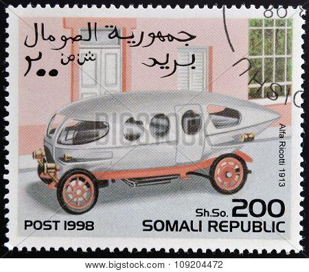 SOMALIA - CIRCA 1998: stamp printed in Somali republic shows retro car Alfa Ricotti 1913 circa 1998.