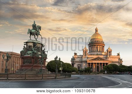 St. Petersburg. St. Isaac's Square. Saint Isaac's Cathedral. Monument to Nicholas 1