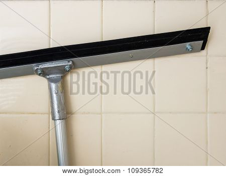 Long Squeegee With Matal Handle
