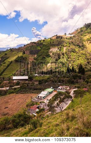 Ash And Gas Is Spreading From Tungurahua Volcano