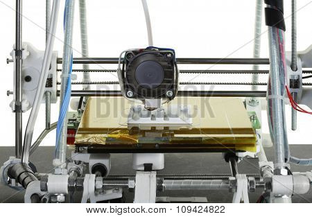 Printing Plastic Part Prototype with 3D Printer