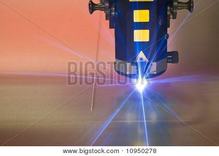 Laser-Schneiden-Maschinentechnik
