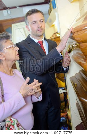 funeral director with customer