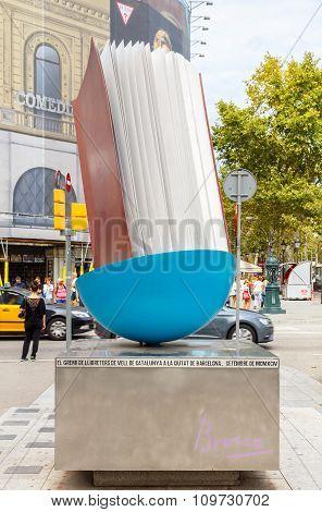Barcelona. Sculpture Monument book.