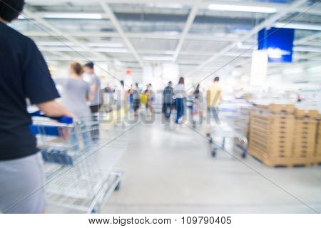 Store Blurred Shopping Mall With People
