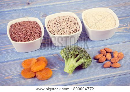 Vintage Photo, Ingredients Containing Calcium And Dietary Fiber