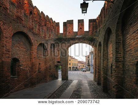 Montagnana, Italy - August 6, 2017: Columns And Arches Of Pedestrian Areas On The Streets Of The Cit