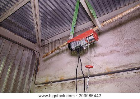 Electric hoist lift. Hoist lift. Engine lift Closeup