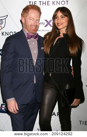 LOS ANGELES - OCT 12:  Jesse Tyler Ferguson, Sofia Vergara at the Tie The Knot Celebrates 5-Year Anniversary at the NeueHouse on October 12, 2017 in Los Angeles, CA