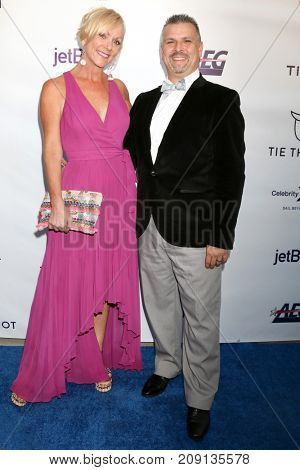 LOS ANGELES - OCT 12:  Guests at the Tie The Knot Celebrates 5-Year Anniversary at the NeueHouse on October 12, 2017 in Los Angeles, CA
