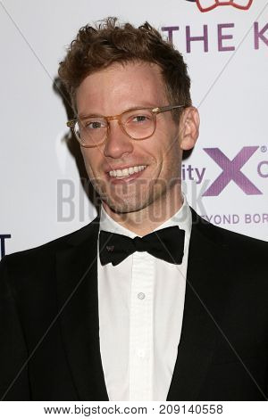 LOS ANGELES - OCT 12:  Barrett Foa at the Tie The Knot Celebrates 5-Year Anniversary at the NeueHouse on October 12, 2017 in Los Angeles, CA