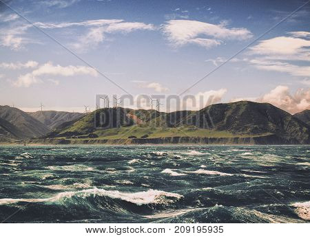 The rough seas of the Cook Strait