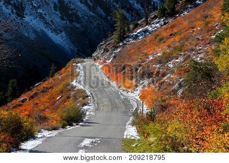 Dirt road in Sierra mountains on the way to North lake