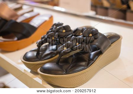 high heel women shoes In the mall