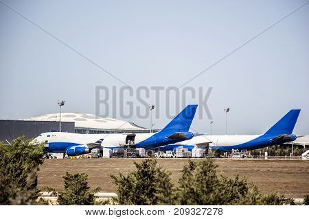 Preparing for the loading of cargo in a cargo aircraft