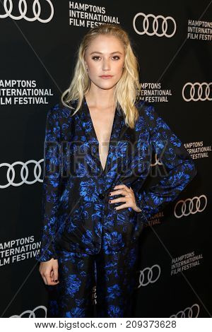 NEW YORK-OCT 6: Maika Monroe attends