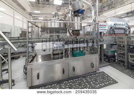 Automatic filling line. Factory for the production of alcoholic beverages.