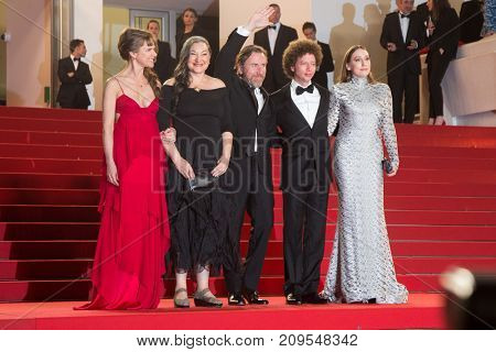 CANNES, FRANCE - MAY 22, 2015: Robin Bartlett, Sarah Sutherland, Michel Franco, Tim Roth, Nailea Norvind attends the 'Chronic