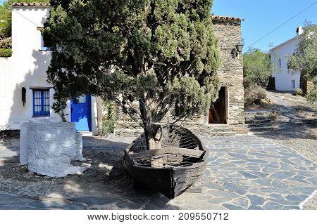 Plaza principal de Portlligat, Museo Dali en Cataluña