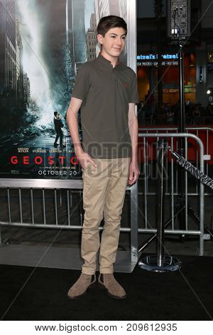 LOS ANGELES - OCT 16:  Mason Cook at the Geostorm Premiere at the TCL Chinese Theater IMAX on October 16, 2017 in Los Angeles, CA