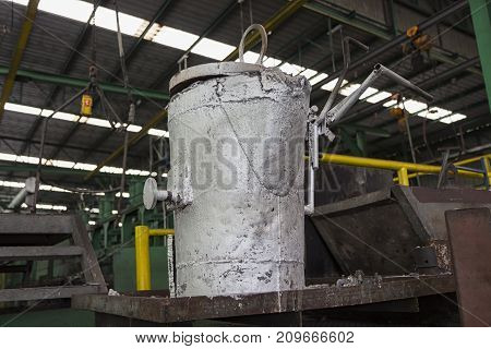 The Pouring ladle for iron casting process