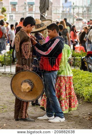 People On The Dia De Los Muertos In Mexico