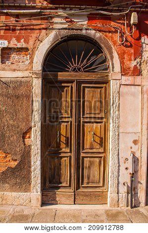 Old Vimtage Wood Door, Brown Wooden Buiding Entrance