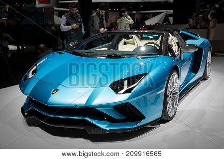 2018 Lamborghini Aventador S Roadster Sports Car