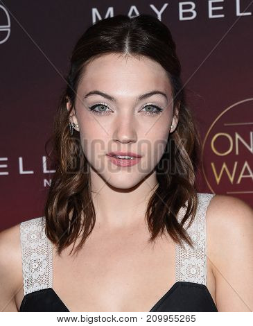 LOS ANGELES - OCT 04:  Violett Beane arrives for the People's 'One's To Watch' Event on October 4, 2017 in Hollywood, CA