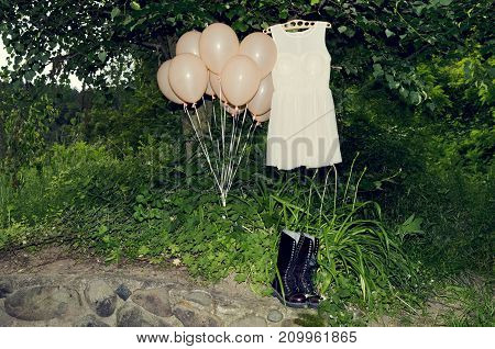Dress Balloons Boots Prom Wood Fancy Party