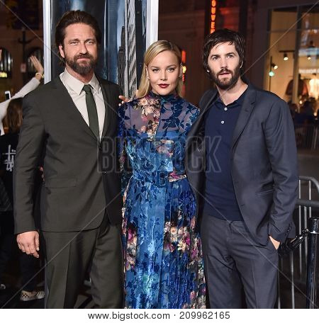LOS ANGELES - OCT 16:  Gerald Butler, Abbie Cornish and Jim Sturgess arrives for the