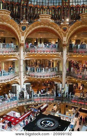 (Classic) Altstadt von Galeries Lafayette