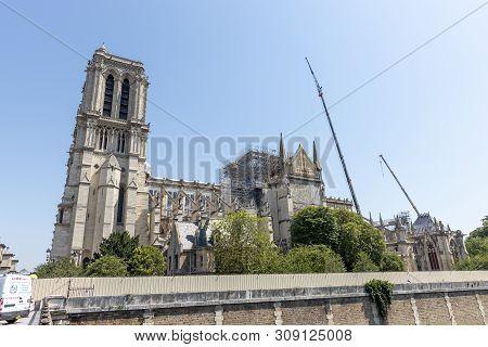 Cath Drale Notre-dame De Paris Construction And Refurbishment Rebuild Work Ongoing After 2019 Fire