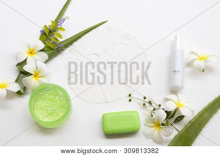 Natural Cosmetics Soothing Gel ,sheet Mask Aroma Essence Face Mask And Soap Extract Herbal Aloe Vera