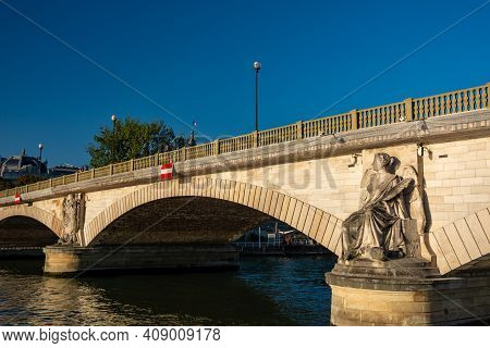 Paris, France - August 29, 2019 : Statues And The Invalides Bridge In Paris, Near The Grand Palais,