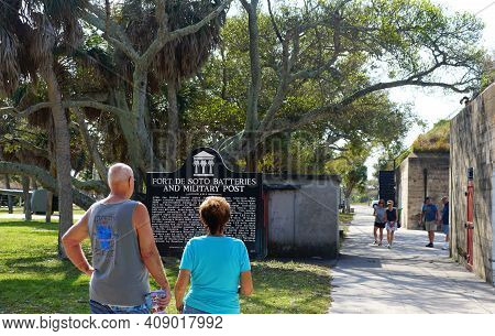 St Petersburg, Florida, U.s.a - February 18, 2021 - People Visiting The Historic Forts Near Fort Des