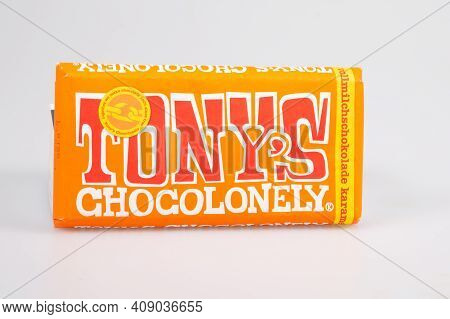 Bordeaux , Aquitaine France - 02 13 2021 : Tony's Orange Chocolate Bar With Brand Text Logo And Text