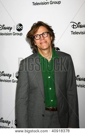 LOS ANGELES - JAN 10:  Simon Templeman attends the ABC TCA Winter 2013 Party at Langham Huntington Hotel on January 10, 2013 in Pasadena, CA