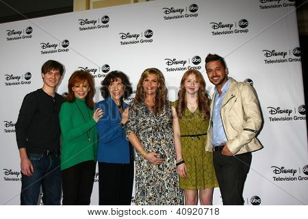 LOS ANGELES - JAN 10:  Justin Prentice, Reba McEntire, Lily Tomlin, Sara Rue, Juliette Angelo, Jai Rodriguez attends the ABC TCA Winter 2013 Party at Langham Hotel on January 10, 2013 in Pasadena, CA