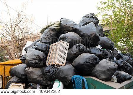 Garbage Bag, Bin, Trash,rubbish, A Lot Of Plastic Bags