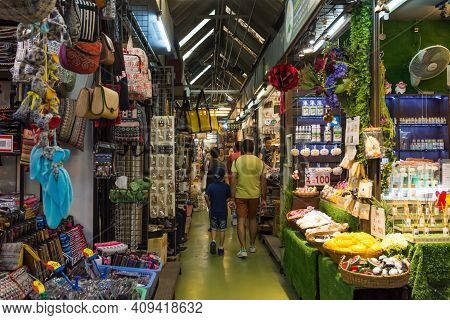 Bangkok,thailand - November 2,2019 : People Can Seen Shopping And Exploring Around Chatuchak Weekend