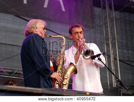 Klaus Doldinger Performs With Hubert Von Goisern