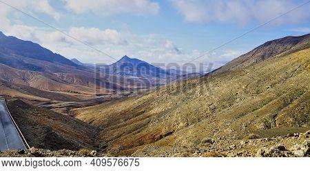 View Over The South Of Fuertevernture From Mirador De Astrologico Sicasumbre